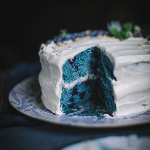 Blue-Velvet-Cake-by-Eva-Kosmas-Flores-9-