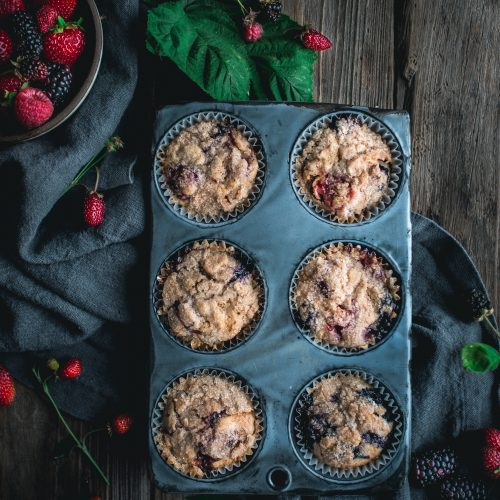 banana, berry, muffins, crumb, topping, cinnamon, strawberry, blueberry, raspberry, cherry