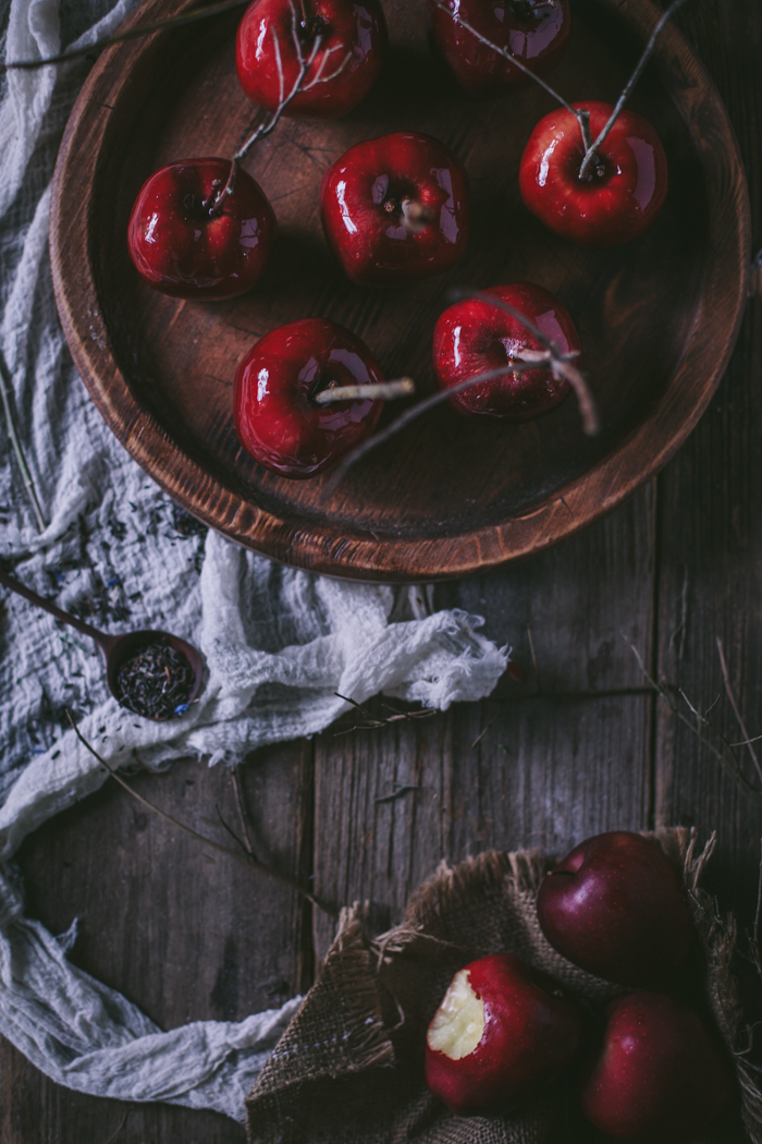 Black Tea Candied Apples