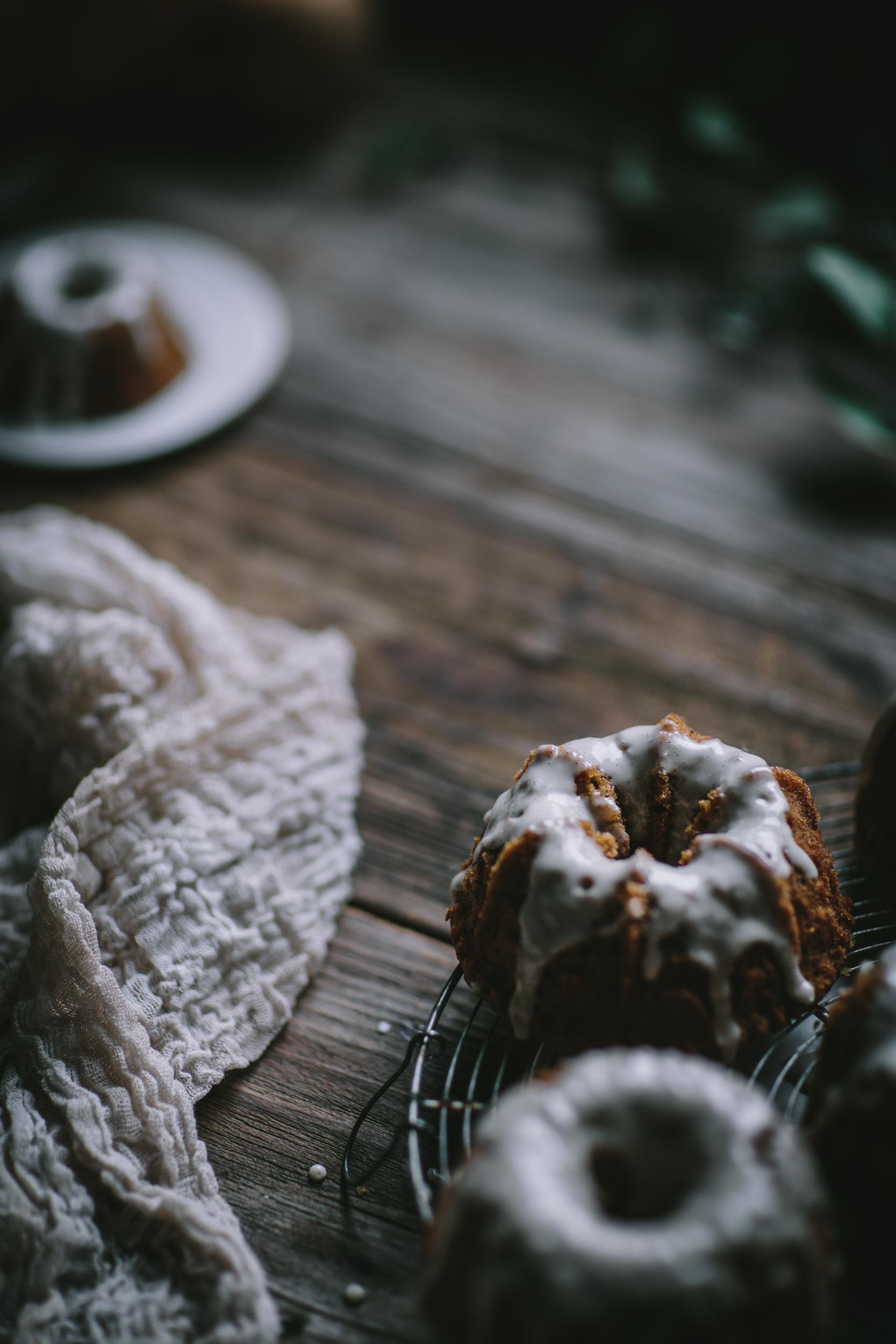 Smooth Mini Bundt Cake Pan