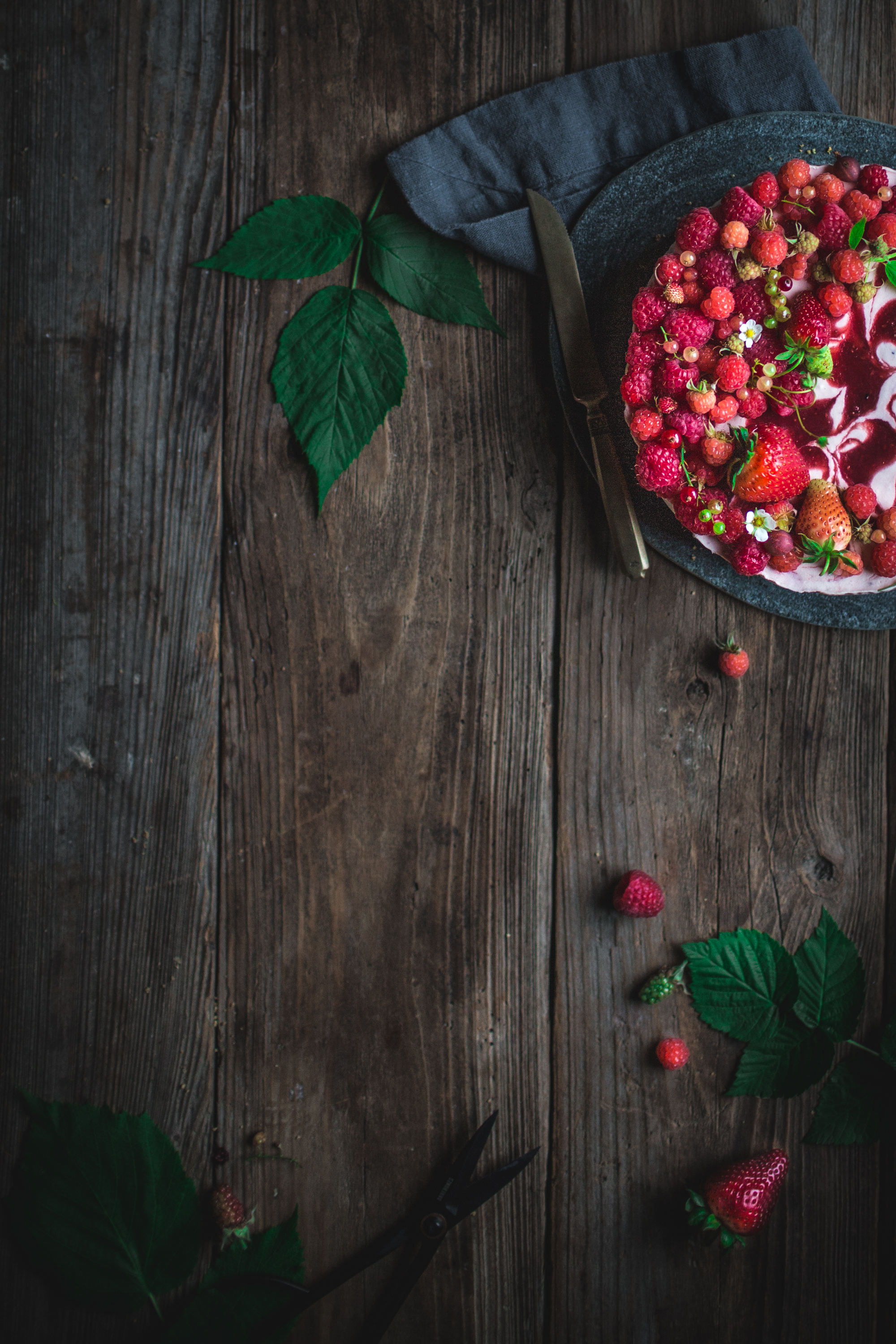 berry, black, pepper, cheesecake, no, bake, first, we, eat cookbook, eva kosmas flores, summer, dessert, cold, cool, refrigerated