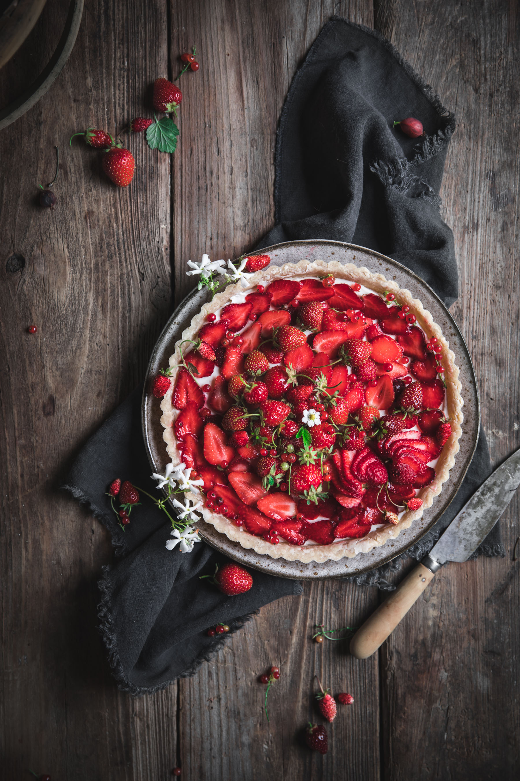 Strawberry Tart with Cream Cheese Filling