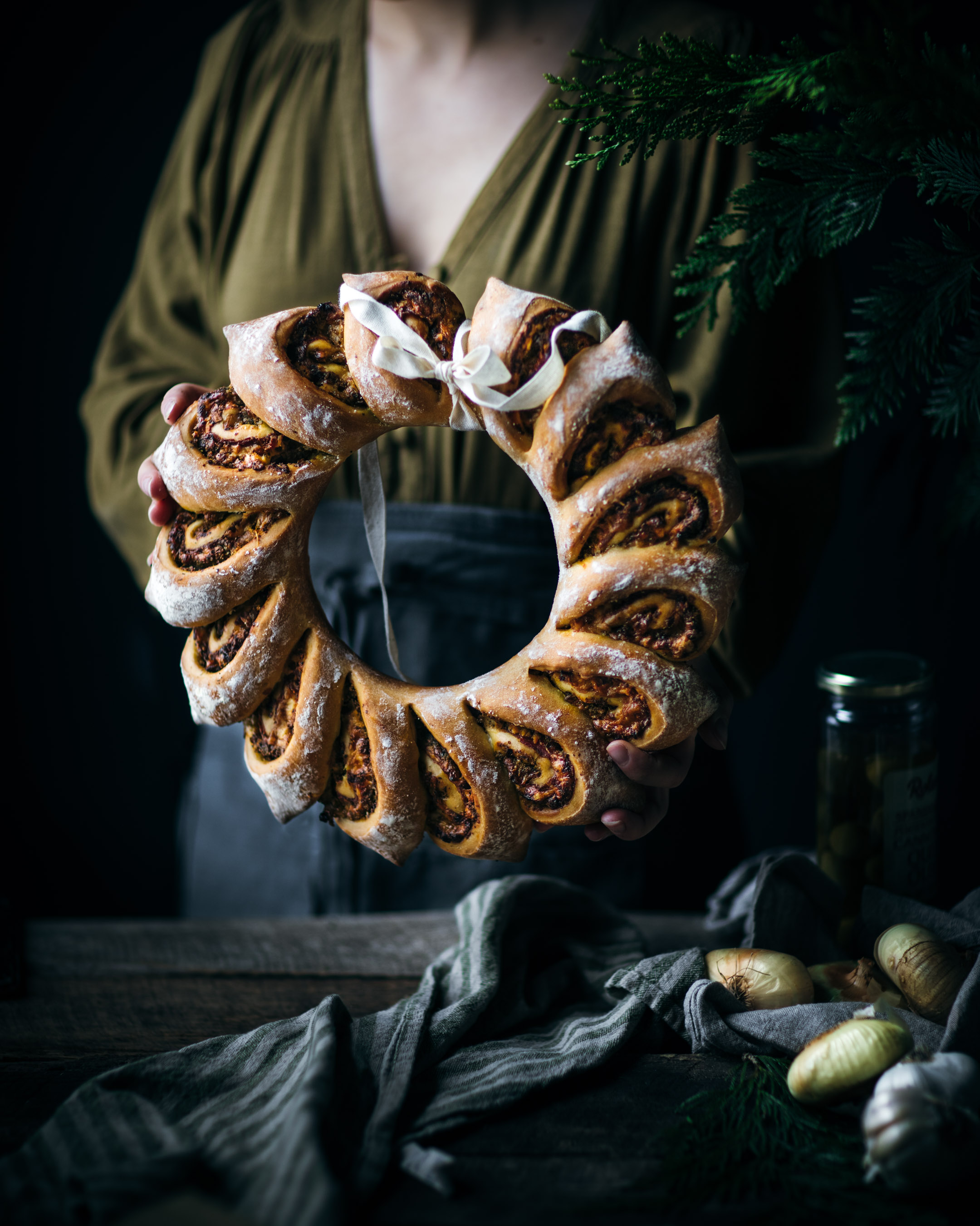 Wreath Bread with Caramelized Onions and Prosciutto
